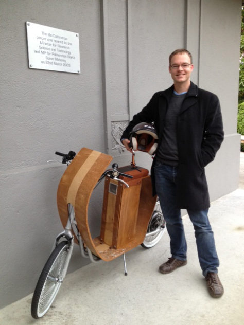peter_with_scooter_1a